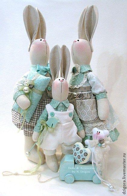 Игрушки животные, ручной работы. Ярмарка Мастеров - ручная работа Семейство кроликов. Бирюзово - жемчужное. Handmade.