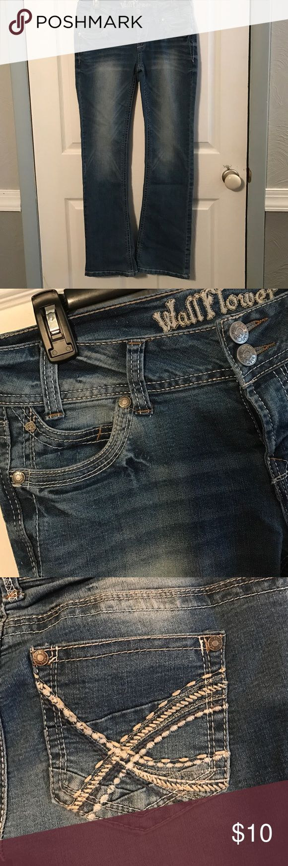 Wallflower jeans, size 7 Wallflower jeans, size 7, boot cut, detailed pockets Wallflower Jeans Boot Cut