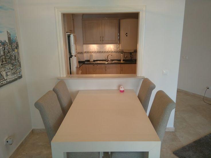 Woonkamer eetkamer 2 vakantie appartement Jazmin 4 personen Miraflores Marbella Spanje (2)