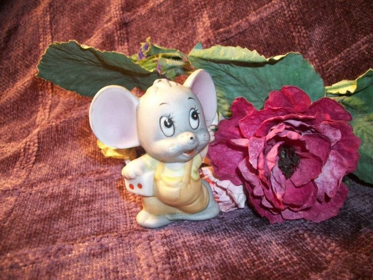 Ceramic Mouse Figurine Grey Gaming Dice Mouse Hand Painted Bisque Man Cave Game…