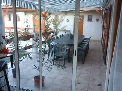 Véranda avec Chambres d'hôtes à vendre près de Cahors et Rocamadour dans le Lot