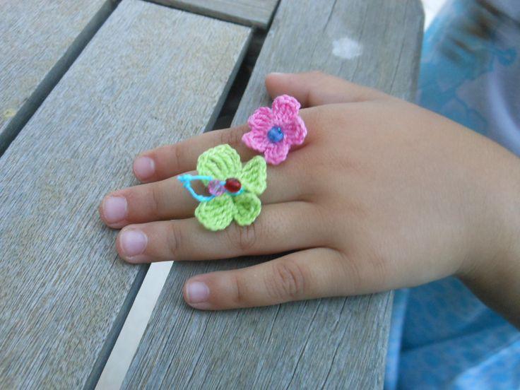crochet rings  crystal beads / δαχτυλίδια βελονάκι με κρυσταλάκια
