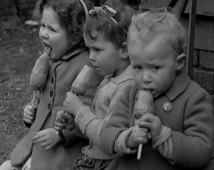 how children were affected during world war i From taking on traditionally male-centric jobs to starring in recruitment propaganda, world war i affected women around the world in different ways.