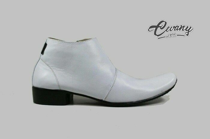 https://www.tokopedia.com/guritashoes11/sepatu-pantofel-pria-cevany-putih-resleting-kulit-asli-original?utm_source=Copy&utm_campaign=Product&utm_medium=Android%20Share%20Button