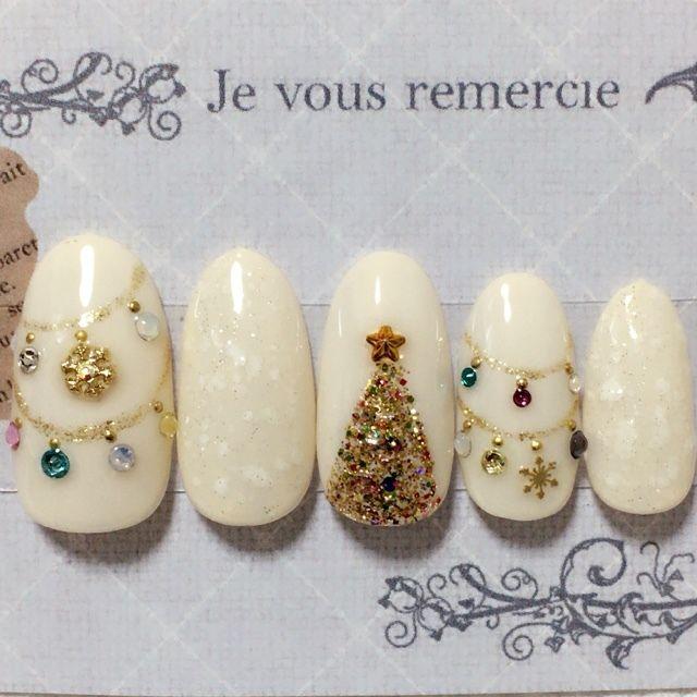 ネイル(No.1260251) クリスマス  ジェルネイル  ホワイト  ワンカラー  ハンド   かわいいネイルのデザインを探すならネイルブック!流行のデザインが丸わかり!