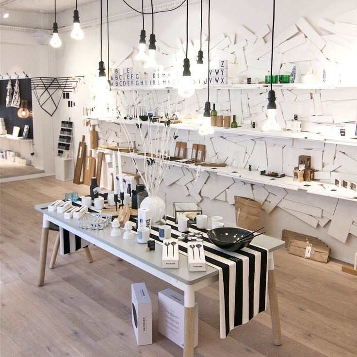 Best 25 retail store design ideas on pinterest store for Interior design gifts