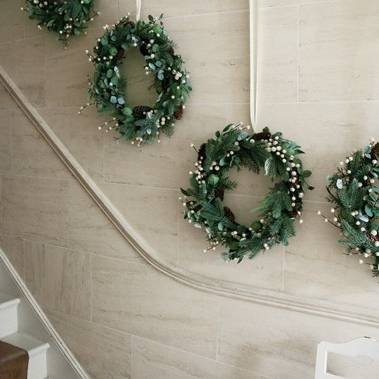 Christmas wreath staircase