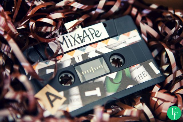 DIY project -  Let's Make a Mixtape! #diy #diyproject #doityourself #cassette #mixtape #vintage #oldschool #usbstick #gift #giftidea #valentines #perfectgift #boyfriend #girlfriend #someoneyoulove