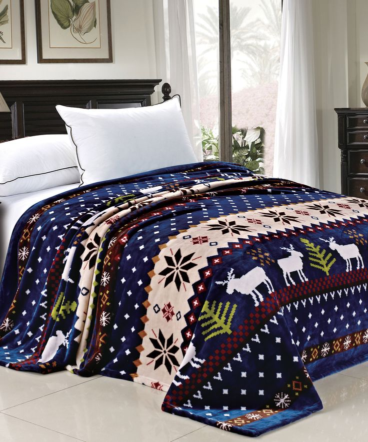 If you're a Christmas-lover who enjoys adding holiday cheer to the entire house, then you'll adore our Christmas bedding from Collections Etc. This variety includes all of the holliest, jolliest holiday bedding you can imagine, complete with flannel sheets, quilts, shams, duvets, pillows and comforters.