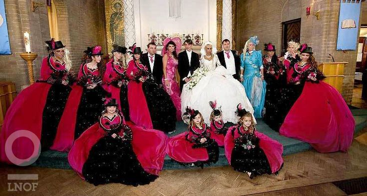 Worst Bridesmaid Dresses Ever | It's the top hat that sets it off nicely.