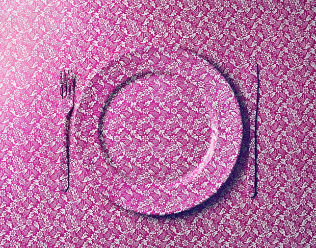 #Wallpaper e #Wrapping #Paper – #Photography by Benedict Morgan #pink #plate