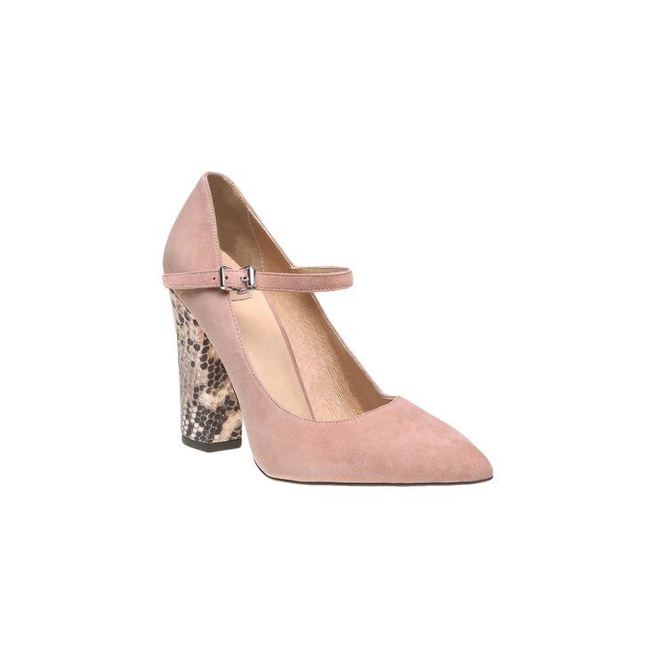 Ispirate alle classiche Mary Jane, queste scarpe in camoscio con tacco hanno un grazioso cinturino a strappo con fibbia. Il tacco in pelle di serpente dona un tocco ultima moda. Una scarpa da ufficio che può essere anche indossata con abiti da cerimonia.