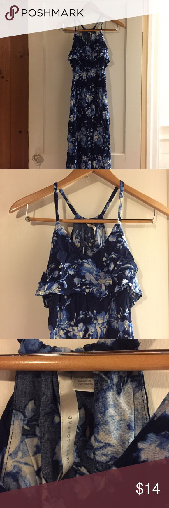 Lauren Conrad floral maxi dress Adorable LC Lauren Conrad floral maxi dress. Size xsmall. Great condition, just wrinkled from storage. LC Lauren Conrad Dresses Maxi