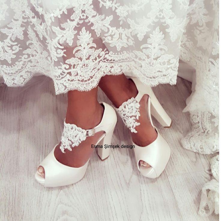 En rahat tasarım ayakkabılar için iletişime geçebilirsiniz ve www.esmasimsek.com sayfasını ziyaret edebilirsiniz sevgiler instagram hesabimiz esmasimsekdesign  Gelin ayakkabisi gelin ayakkabilari wedding shoes bridal