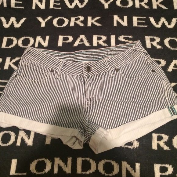 Jack will shorts Really cute pinstripe Jackwill shorts True to size in really good condition no known stains imperfections were worn Jack wills  Shorts Jean Shorts