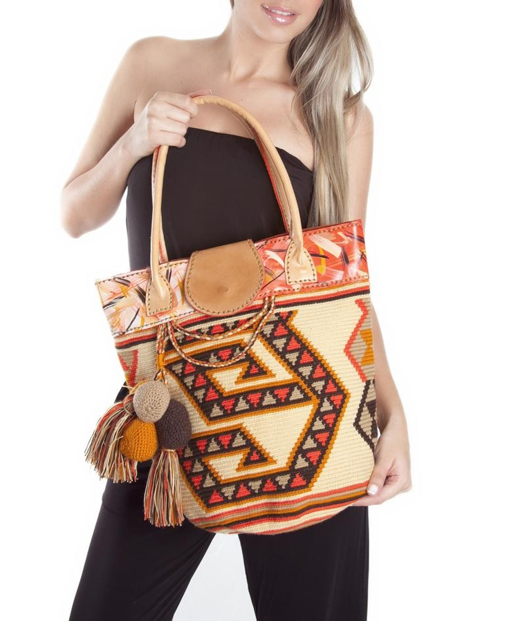 Beautiful Wayuu bags Price: $255.56 Item: CB-946 www.orchidhua.com Email:sales@orchidhua.com