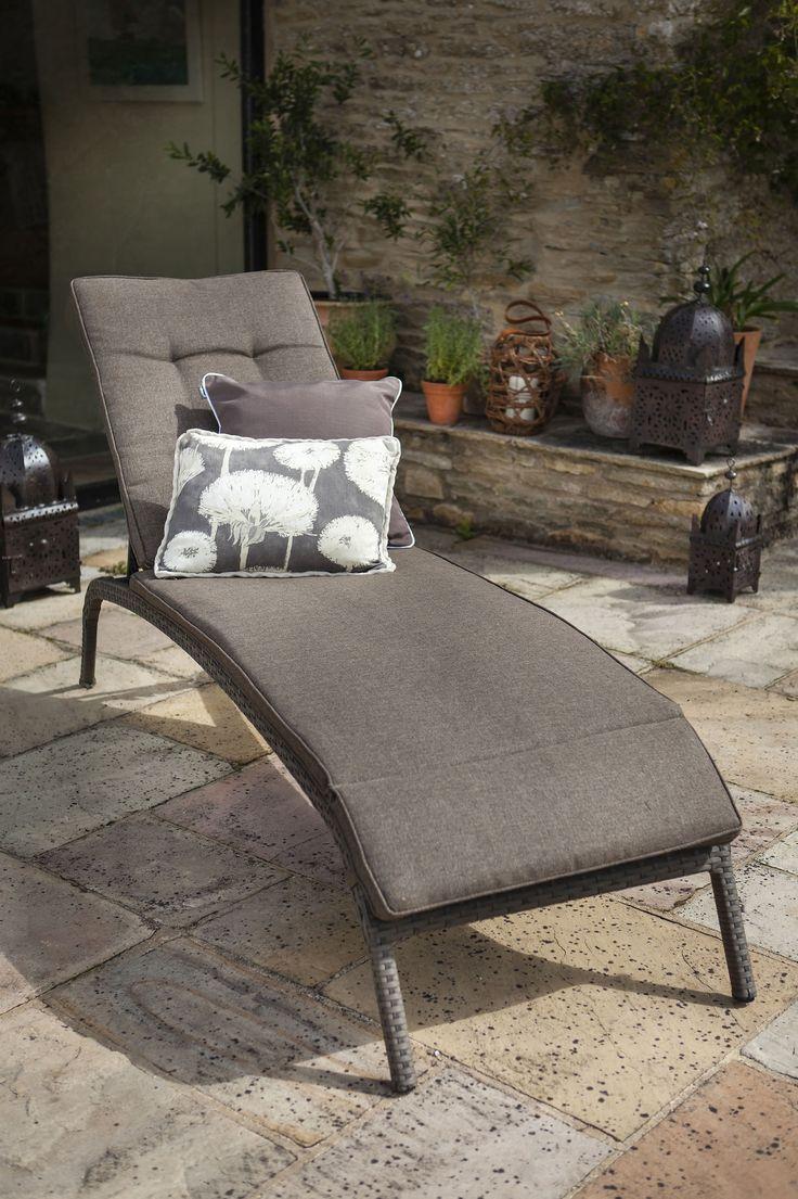 hartman bentley garden lounger with cushion uk 19999 garden4less uk shop