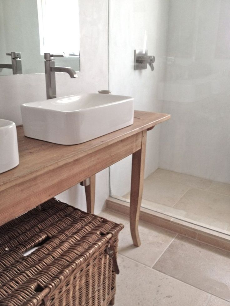 Peninsula Bathroom Kraus sinks.