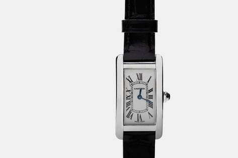 From the vintage trove of Camilla Dietz Bergeron comes this Cartier Tank Américaine (small model). The powerful yet elegant timepiece has an elongated case with a more pronounced curve than the original Tank created in 1917 by Louis Cartier. It playfully updates the crisp lines, retaining the rectangular form while alternating between round edges and angles.