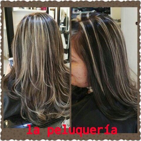Mechas beige solo en la peluquería