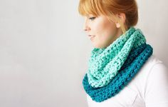 DIY • Crochet Cowl • Free Pattern
