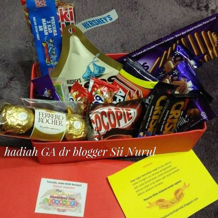 terima kasih blogger @ciknurul23 utk hadiah GA..mewah sungguh hadiah coklatnya.. #bloggerkl #bloggerMY #giveaway #menanggiveaway #blogumifuzydotcom #followme  #follow4follow