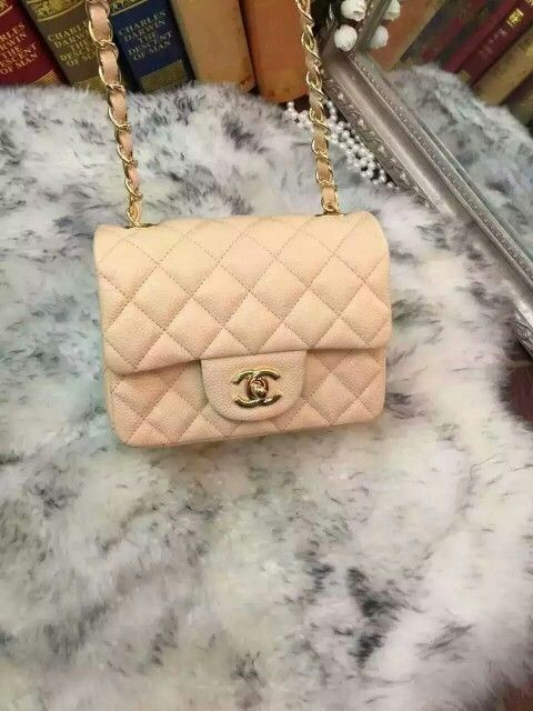Whatsapp/viber/line: +86 13660213769 WeChat: lucky Email:lucky_bag_world@sina.com  #CHANEL  #ChanelBag #ChanelHandbag #ChanelAddict #ChanelLovers#Chanel clothes #FashionBlogger #Fashionista #FashionDiaries #StyleBlogger#LuxuryLife #WhatIWore #InstaFashion #InstaStyle  #todayimwearing #photooftheday #FBlogger  #BloggerLife #Fashionable #fashiongram #styled #Louisvuittonbag#Chanelshoe#Hermesbirkin#Guccibag#LVhandbag
