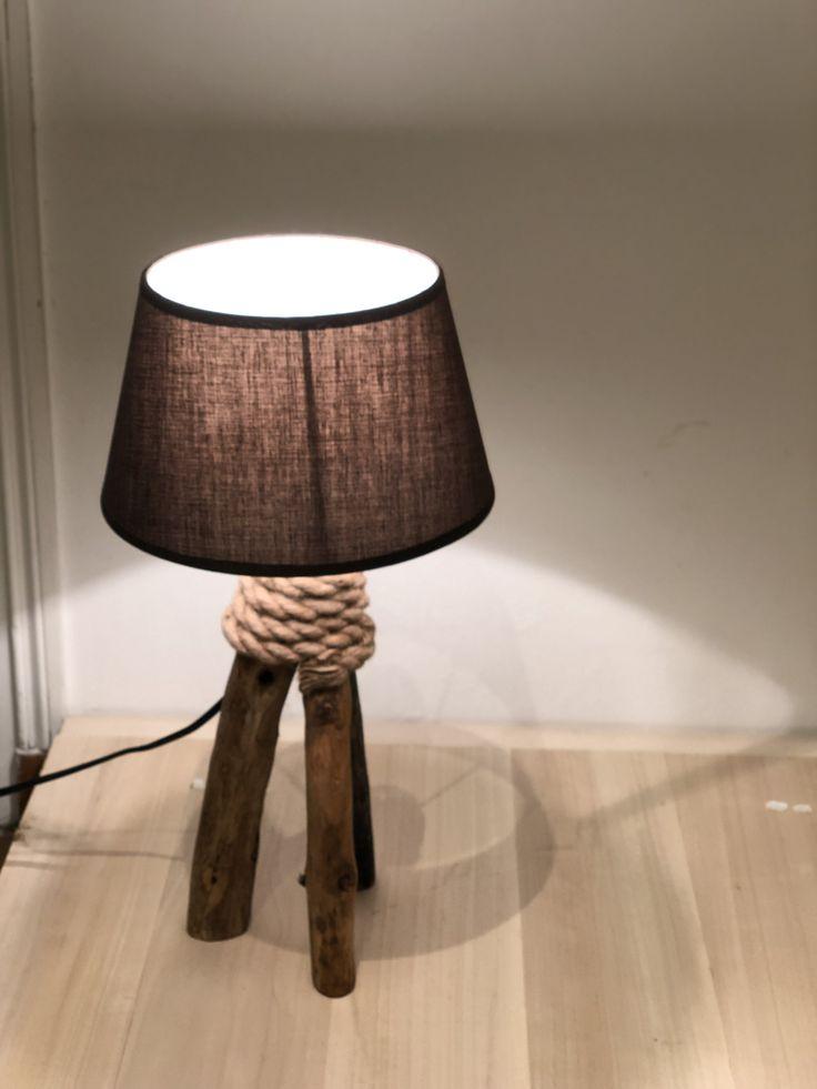 Lampe en bois flotté et corde naturelle