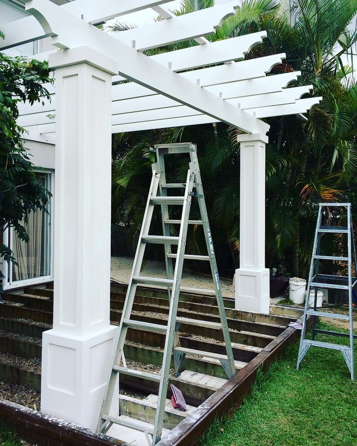 Pre Christmas rush to finish this outdoor space #pergola