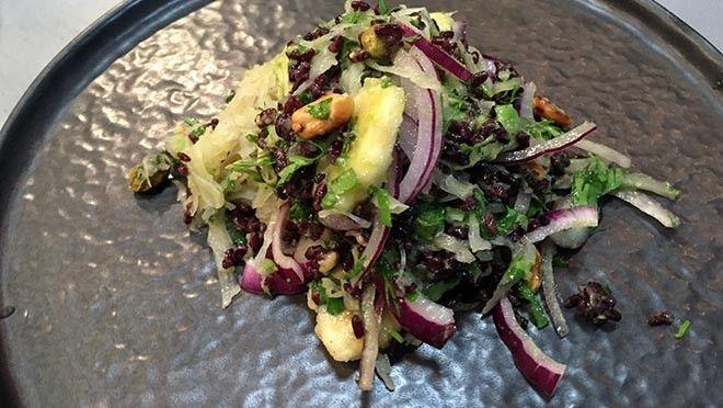 Zuurkoolsalade met zwarte rijst - recept   24Kitchen