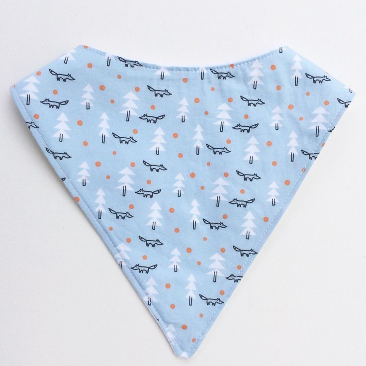 One of our new kids on the block is this super cute dribble bib ❤️ featuring lovely little foxes. Grab yours today as there aren't many ❤️