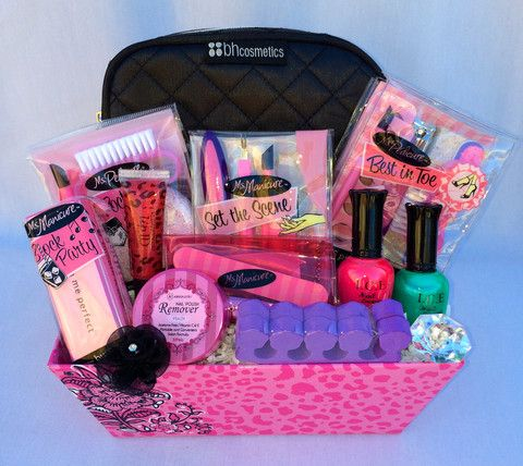 Pampered Teen Beauty Gift Basket – lipgloss, nail files, varnish remover, makeup bag, nail polishes... amazing!