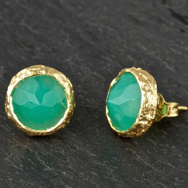 amazing: Fashion, Color Combos, Jade, Studs Earrings, Jewelry, Green And Gold, Accessories, Gold Earrings, Gold Studs