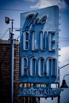 the blue room ... w/ cocktails. not.