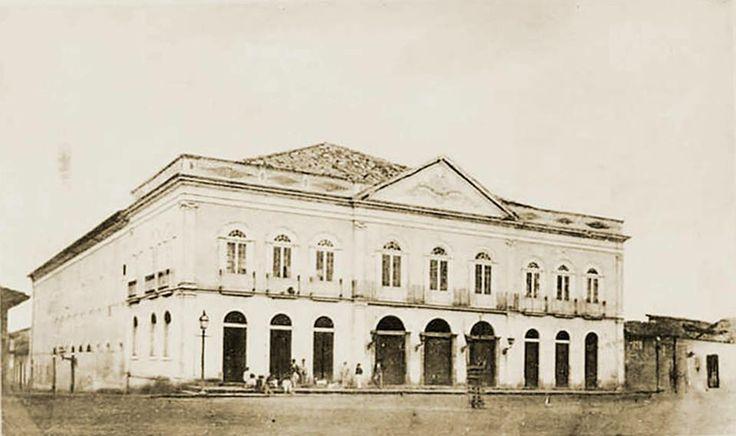 1876 - O mais importante teatro de São Paulo no século XIX, foi inaugurado em 1864 no Largo de São Gonçalo, atual Praça Doutor João Mendes. Comportava 1 200 espectadores. Às vésperas do Carnaval de 1898, um incêndio destruiu o teatro.
