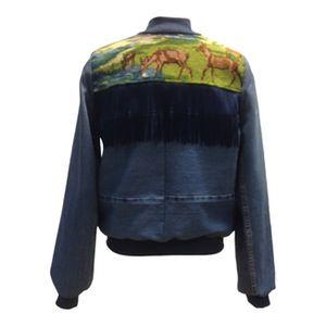 Image of Jeans jakke med fryns og rådyr broderi.