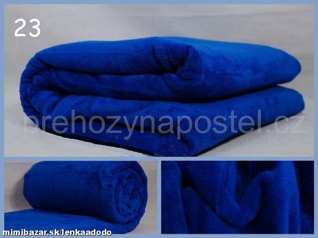 Teplá deka z mikrovlákna v modré barvě