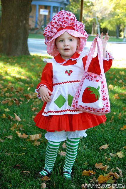 OMG, I die...Strawberry Shortcake costume! So stinkin' CUTE!