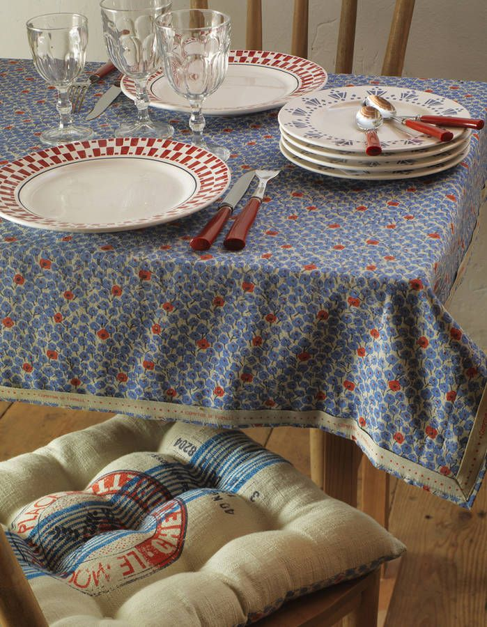 Chinez une nappe fleurie style campagne