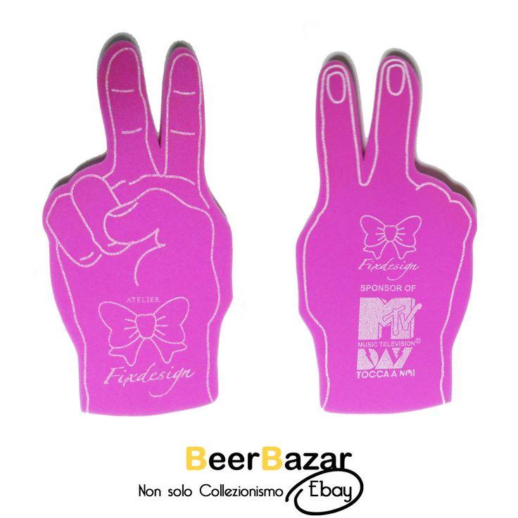 € 4,99 Mano gigante gomma pace due dita rosa stadio concerto MTV Fixdesign thumb up kit  Vedi altro su: http://stores.ebay.it/BEERBAZAR