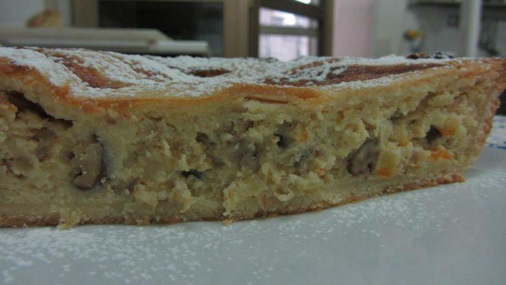 Una ricetta antichissima raccolta da Catalano DitestaediGola   http://www.lucianopignataro.it/a/grande-notizia-pastiera-di-castagne/70980/