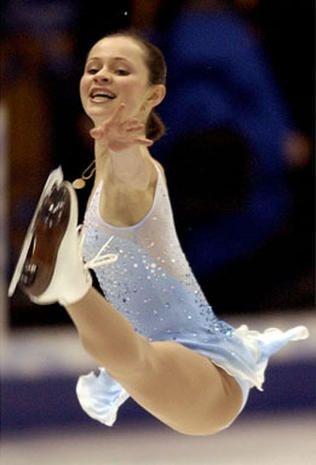 Sasha Cohen - Vera Wang on Ice - Pictures - CBS News