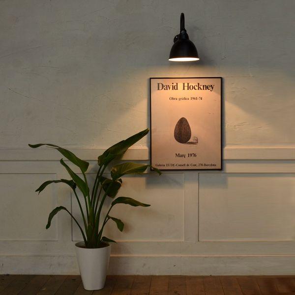 シンプルに対象を照らす看板灯。飾らないフォルムが印象的な工業デザイン照明です。。STAN-C 看板灯 ブラケットライト(ブラケットランプ LED対応 ブラック 店舗照明 玄関照明 インダストリアルデザイン 壁付け照明 インテリア 屋外 玄関灯 カフェ照明 黒 外灯 門灯 防雨型 サイン灯 内装 外壁 灯り レトロ 店舗看板ライト 工場)