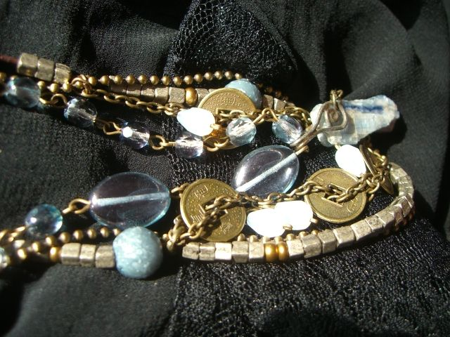 neckace, detail