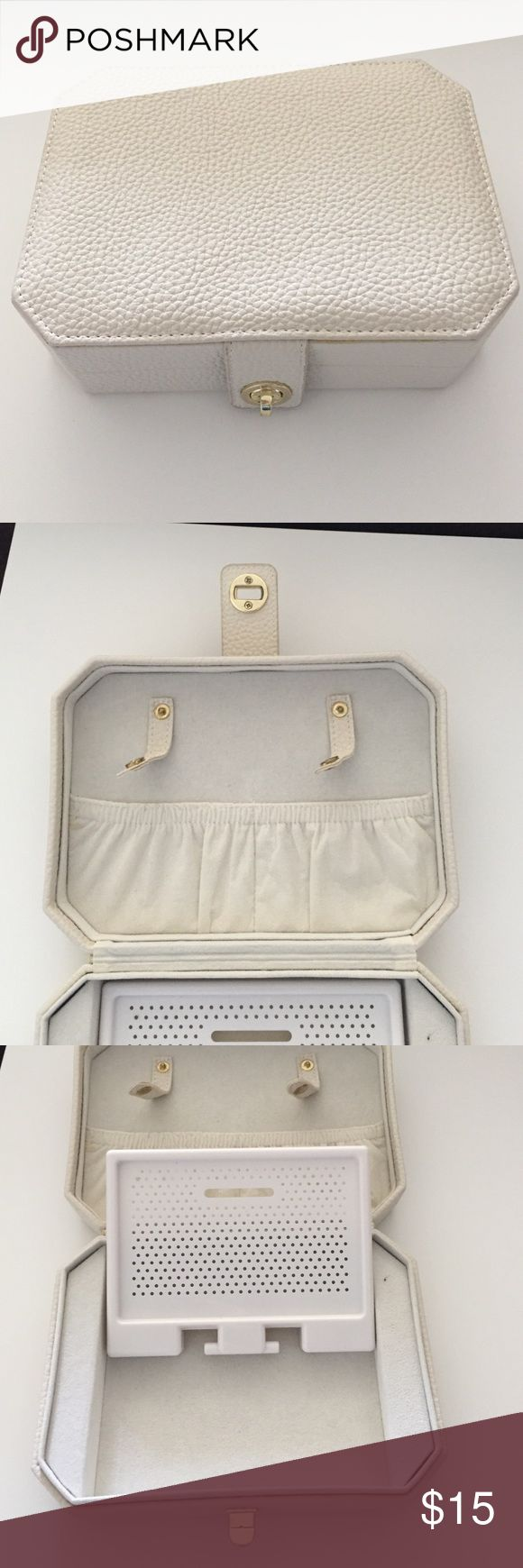 Travel jewelry box. NWOT travel jewelry box with hard leather case Bags Travel Bags