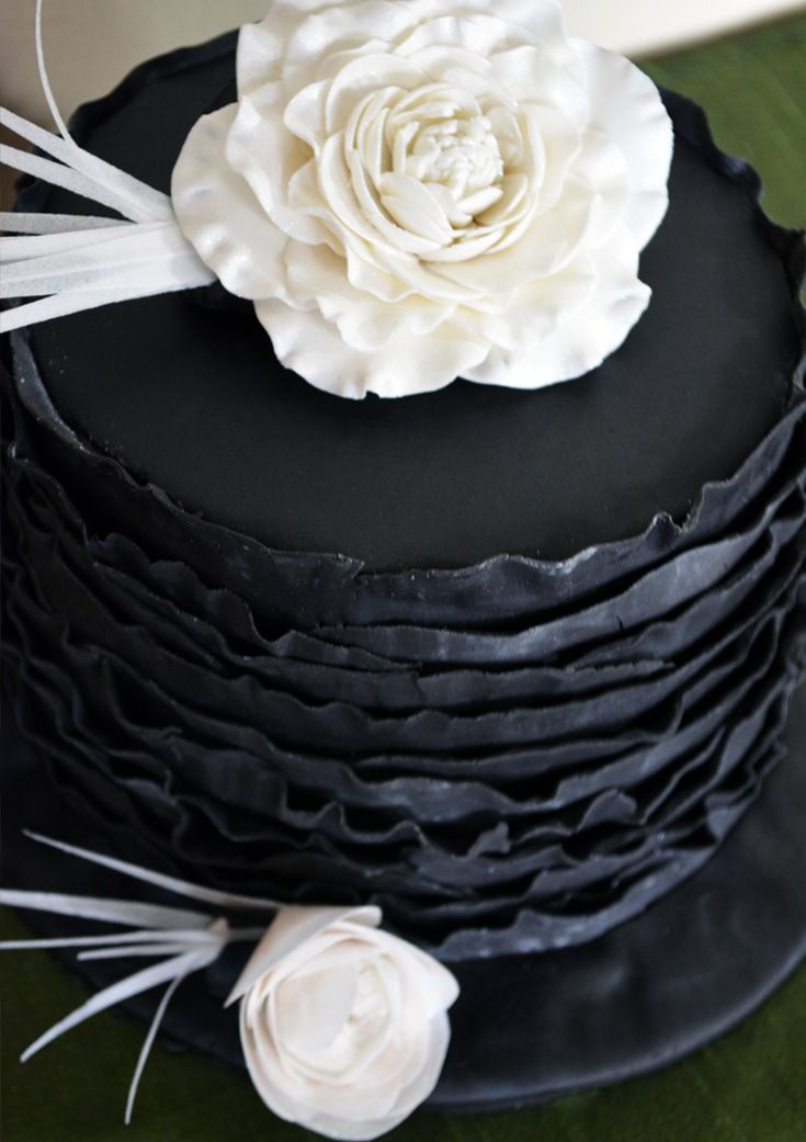doylecraft.ca Black ruffle cake
