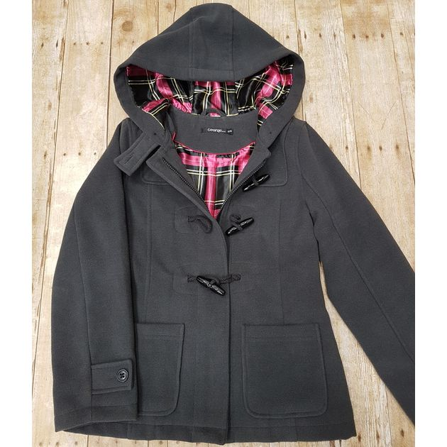 Hot chocolate & adventure walks are what come to mind – while keeping warm & stylin' in this #perf jacket. #PlatosClosetCambridge #jacketgoals #adventuretime #winterstyle #gentlyused // #George jacket, Size M, $20 // | www.platosclosetcambridge.com