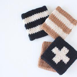 洗剤いらずで汚れを落としてくれるアクリルたわしはとってもエコ! 見た目もすごくかわいいし、アクリル毛糸があれば、すぐに編めちゃうのが魅力的。 暇なときに手を動かして、アクリルたわしを作ってみませんか?