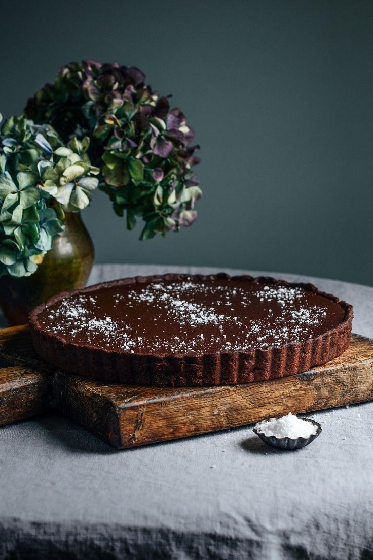 Von der Küche: Dunkle Schokoladentorte mit Meersalz