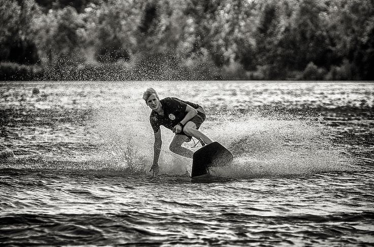 Surf4u2 http://jetsurfblog.com/en/new-pictures-in-our-gallery-from-surf4u2/
